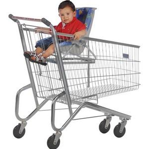 Carrinho de supermercado com bebê conforto